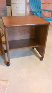 Clean End Table, Perfect condition, great for tv or in a pantry