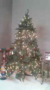 "7'5"" pre-lit Christmas tree Kitchener / Waterloo Kitchener Area image 1"