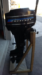 7.5 HP Mercury Outboard and gas can in excellent condition