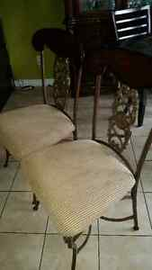 Antique set of 4 chairs London Ontario image 4