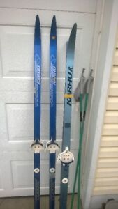 Waxless skis w 3 pin binding
