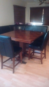 Reduced! Come n buy! Great deal, bench set table