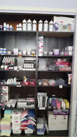 Grande INVENTAIRE d'accessoires Ongles & Formation 850-4943
