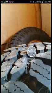 200 for both firm, size is Lt235/85r16