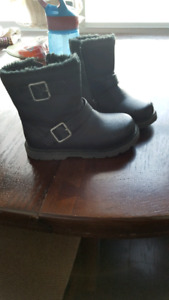 Toddler girl's size 8 boots