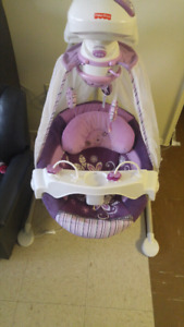 Fisher price baby cradel and swing in good clean condition!