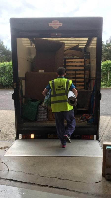 Revive Removals relocation services & Rubbish / Clearence Services/ end of tenancy deep cleans