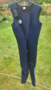 O'Neill Wet Suit Size 14