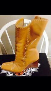 Leather tan wedge heeled boots Cambridge Kitchener Area image 2