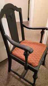 NICE ANTIQUE SOLID WOOD CHAIR, REFINISHED with BLACK CHALK PAINT Cambridge Kitchener Area image 2