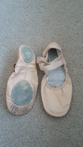 Size 2 1/2A Bloch Split Sole Leather Ballet Shoes