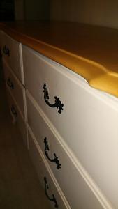 2 Piece French Provincial Dresser Set