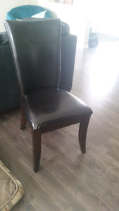 Dining table chairs-4 black chairs-great deal