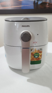 BRAND NEW Philips AirFryer - NEVER BEEN USED