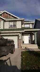 3 BR 2.5 BATH DUPLEX in SE Edmonton rental - Pet Friendly