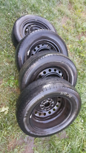Tires p215/60r16 MICHELIN- Toyota Camry FAST SALE