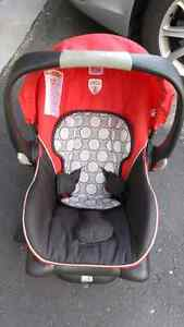 Britax Agile travel system, with car seat Kitchener / Waterloo Kitchener Area image 5