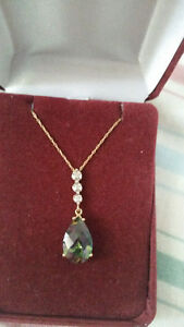 Yellow gold with semi-precious stone and diamonds necklace