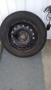 4 pneus et jante 14 pouces pour honda