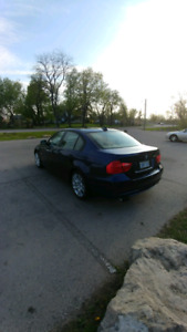 2011 BMW 323i fully loaded low kms