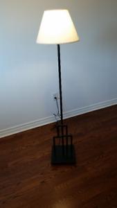 Floor Lamp In Excellent Condition