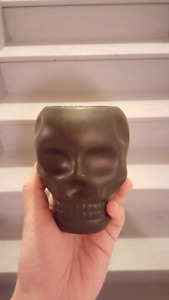 Skull tooth brush holder