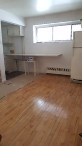 $590/ 1br - 3 1/2 in CDN, Namur metro (Cote-des-Neiges)