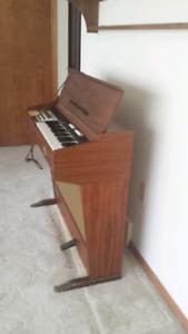 Briscoe Harmony Chord Organ