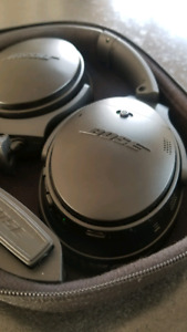 Excellent Condition Bose QC35 Noise Cancelling BT Headphones