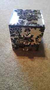 Jewellery box with drawers Kitchener / Waterloo Kitchener Area image 1