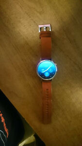 Moto 360 2nd Gen Silver w/ Brown Leather Strap - Great Condition Cambridge Kitchener Area image 6