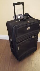 "AMERICAN TOURISTER 28"" WHEELED BLACK LUGGAGE"