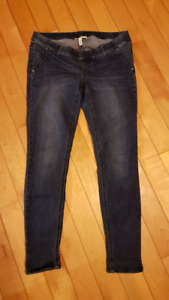 Jessica Simpson maternity Jean's size medium