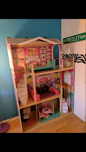 """Doll house for 18"""" dolls"""
