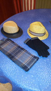 MEN'S HAT, GLOVES OR WOOL SCARF