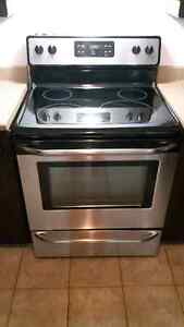 Frigidaire Stainless Steel Stove (Glass Top)