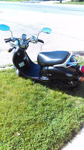2005 YAMAHA SCOOTER