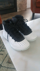 Under Armour Kids' Curry 4 Basketball Shoes - size 1