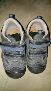 Geox Toddler Size 8 boys shoes