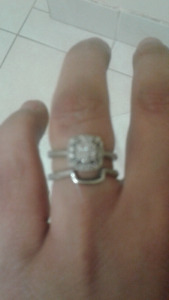 BEAUTIFUL ENGAGEMENT SET $450.00
