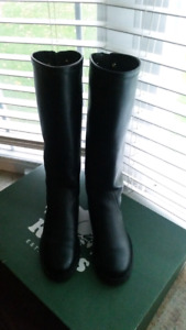 Roots women equestrian boots