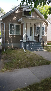 Cute 2BR with loft\bedroom in Central St. Catharines for rent