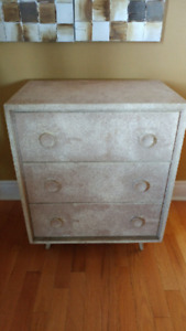 Cabinet w/ 3 drawers
