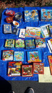 Puzzle and books lot