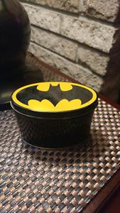Vintage 1964 batman canister. 50$