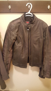 REDUCED! DAINESE Vintage WOMENS Leather Motorcycle Jacket SZ42
