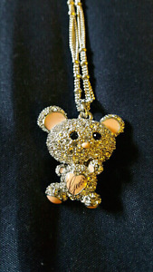 Bella Bear Exclusive necklace by Guess perfect condition