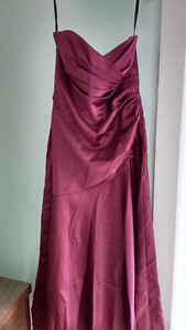 Dessy Bordeaux-G7 satin, sweetheart gown