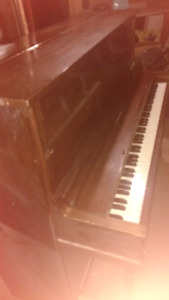 Piano antique Lindsay Montreal 1915""