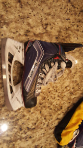 Size 2 Bauer vapor x700 awesome shape new blades